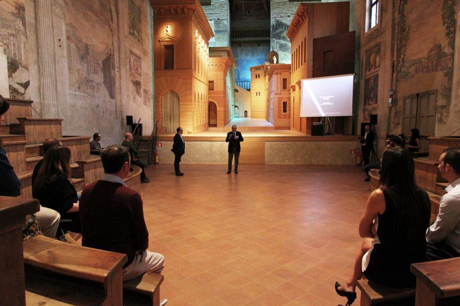 """lezione al Teatro all'Antica """"Architettura e luce"""" con Jesús Leache"""